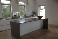 Altea Quartz Worktop, Upstands & Butt Joint Gables on Island