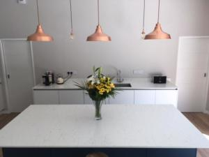 20mm Bianco Venato Quartz Worktops & Upstands