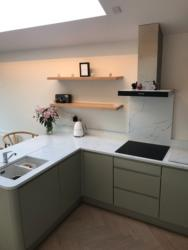 Venatino Quartz Worktop, Upstands, Splashback & 1/2 Recessed Draining Board