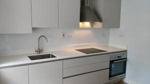 20mm Crystal Ivory Quartz Worktop