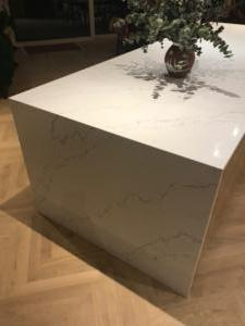 Venatino Quartz Island Top with Mitred End Gable